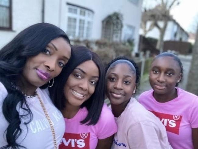 Selfie of Oti sisters and mum